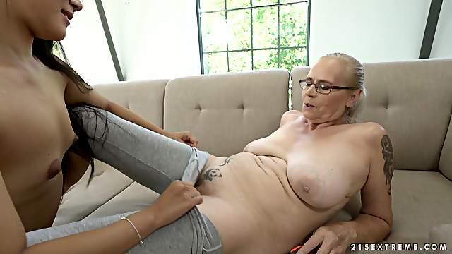 Asian babe Katana enjoys one on one lesbian action with mature Violett