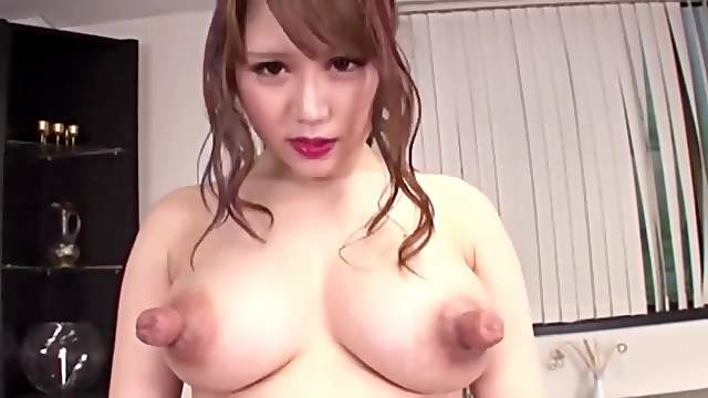 the biggest nipples I ever see
