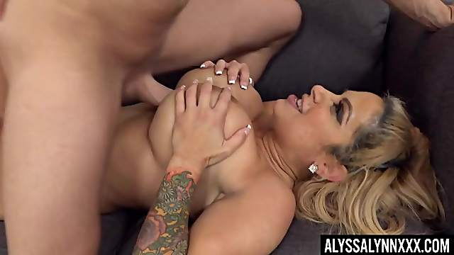 Hardcore fucking with busty trophy wife Alyssa Lynn ends with cum on tits