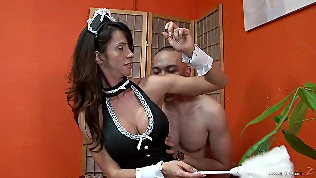 Ariella Ferrara dominates a guy in armpit fetish clip