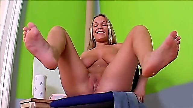 Big boobs and sexy feet on display