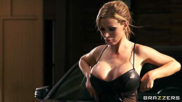 Nikki Benz hardcore pornstar anal sex scene