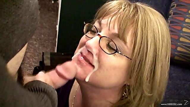 A Creamy Facial For A Kinky Mature Slut