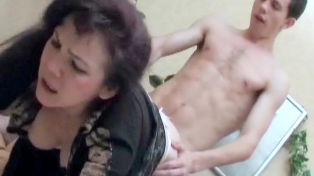 Horny Aunt Wakes Up her Nephew So He Can Fuck Her