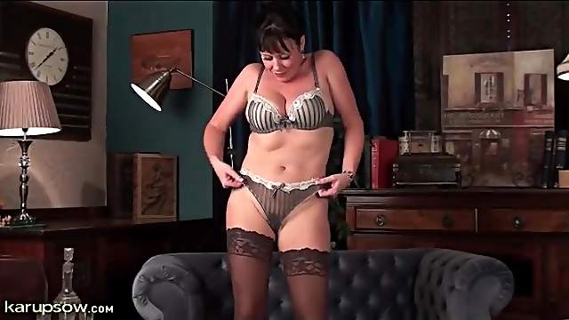 Sexy party dress on milf Elise Summers