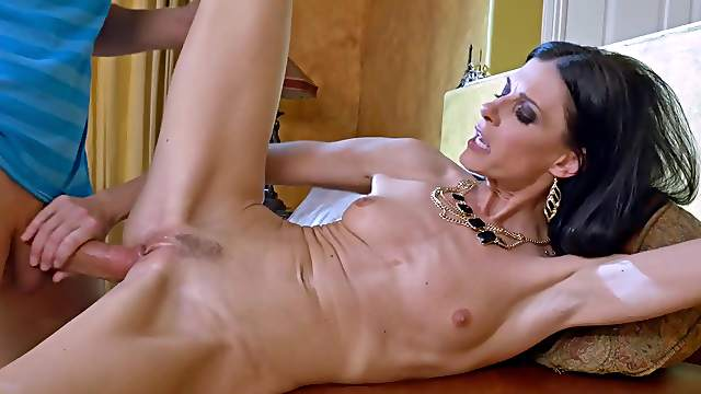 Skinny mom tries step son's huge dick in a sloppy modes